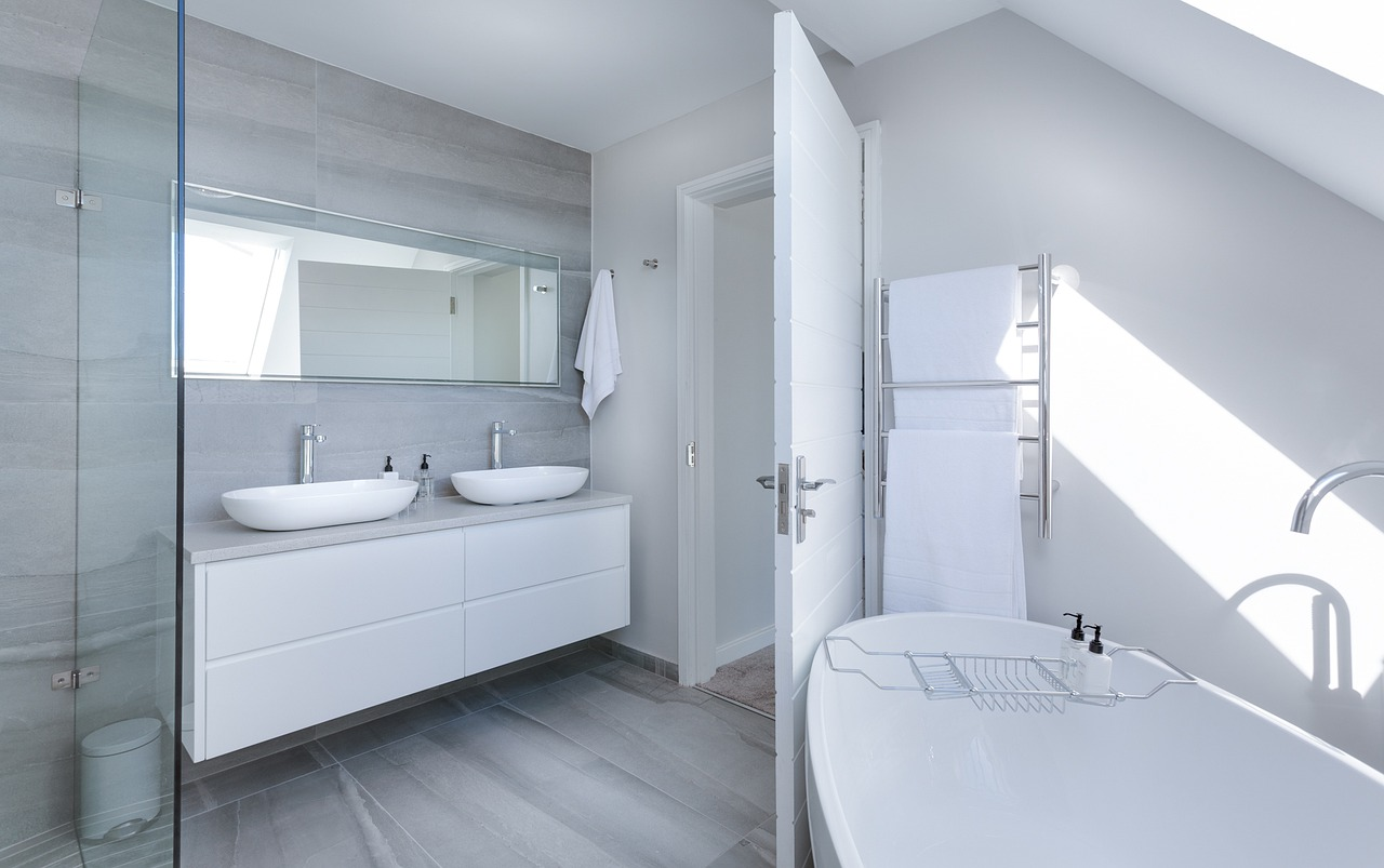 Evoke Living Homes_bathroom-renovation-tips-image