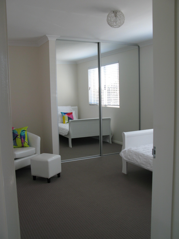 avon-display-home-3